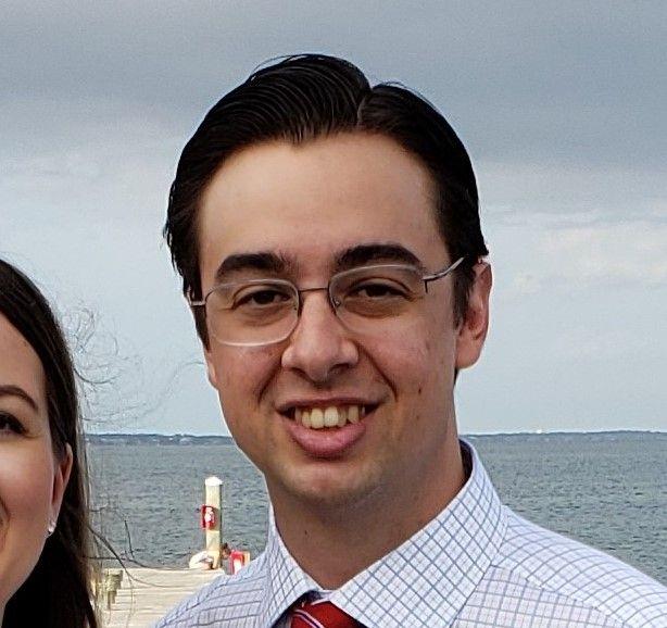 Andrew Molina